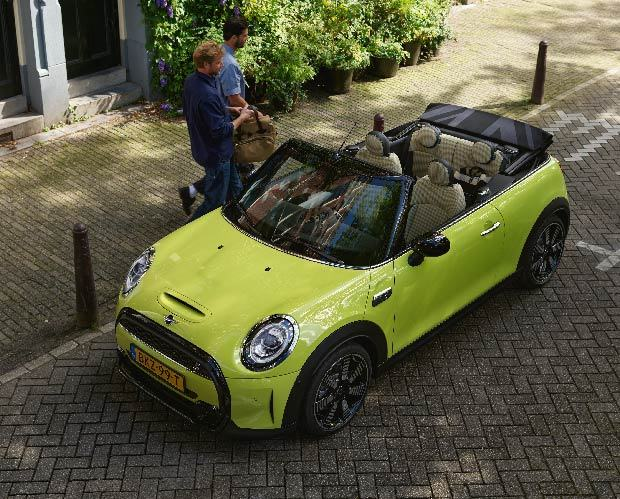 Gallery image 001 - The New MINI Convertible.