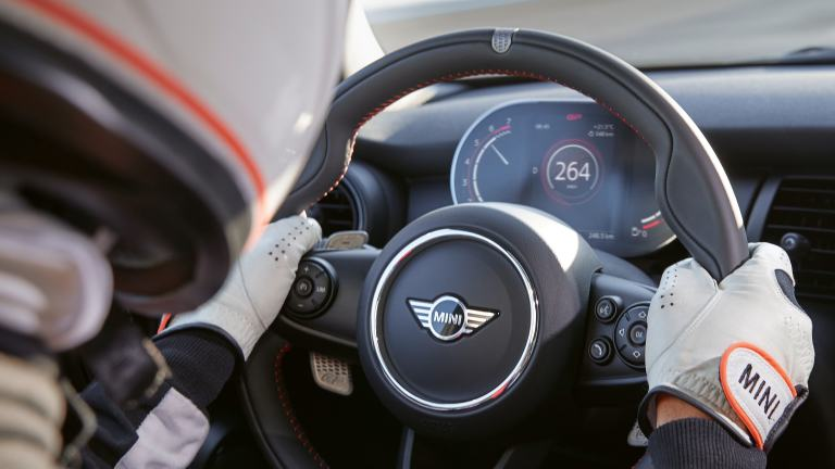 THE NEW MINI John Cooper Works GP - ステアリング・ホイール